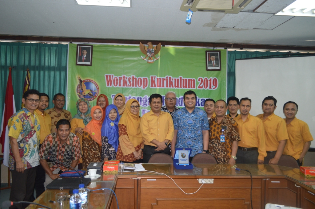 Workshop Penulisan Artikel Ilmiah Internasional Bereputasi dan Workshop Kurikulum 2019